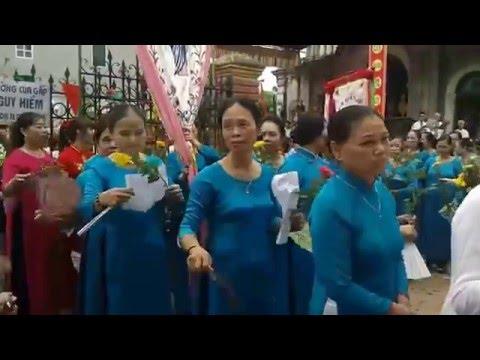 Rước lễ- Nhà Thờ Canh Hoạch, Dân Hòa, Thanh Oai, Hà Nội