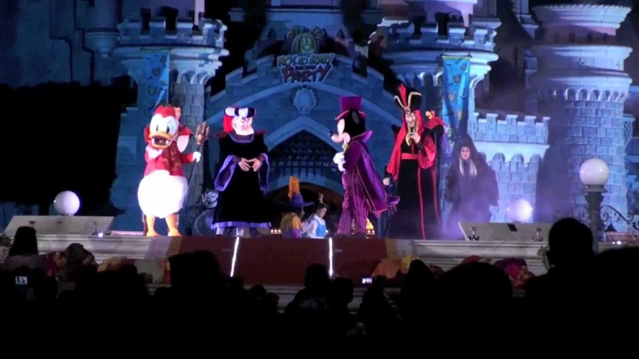 "the disney's ""not-so-scary"" halloween show. mickey's not-so-scary"