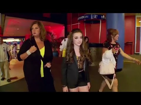 Dance  moms - Kendall Gets More Audience Then Nia (S05,E22)