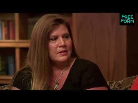Monica The Medium 1x10, Sneak Peek: Group Reading | Freeform