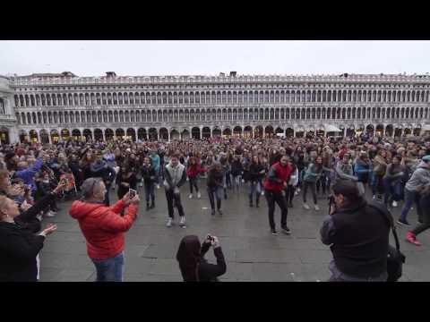 Flash Mob Piazza San Marco   Venezia