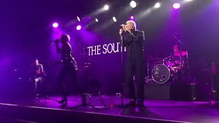Beautiful South - Don't Marry Her (Live Butlin's Bognor Regis)