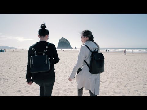 Everyone Takes Photos by These Rocks on Cannon Beach | Portland, Oregon 2 [Travel Vlog 2018]