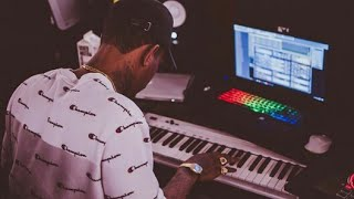 Lex Luger Cooking Up a Beat Live on Maschine