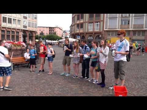 Samba flash mob in Frankfurt