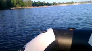 Обзор и личная оценка Ямаха 4 и лодка Ривьера 3200 С(Всем доброго времени суток.Решил сделать себе подарок на день Рождения,купить лодку с мотором.Главным крит..., 2015-05-23T21:32:45.000Z)