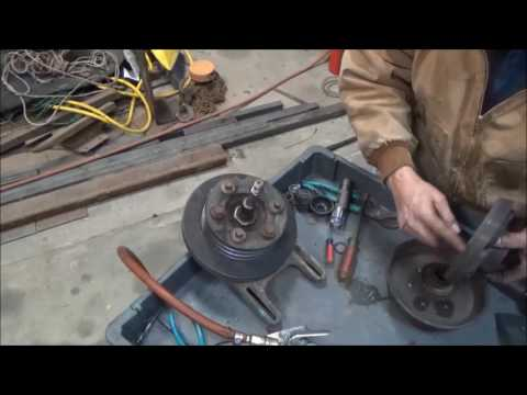 Fan clutch repair on a big truck - YouTube on