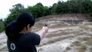 Atirando com Rossi  calibre .32
