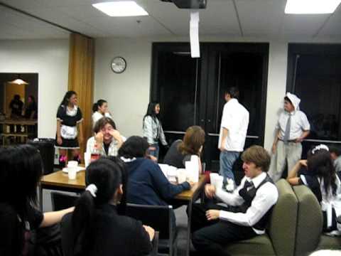 CSULB Maid Cafe 2009 - I AM THE QUUUUEEEEEENNN OF GAAAAAMES!