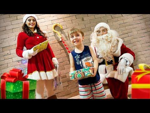 PAPAI NOEL TROUXE PRESENTES DE NATAL PRO MAIKITO!! Familia Brancoala - Árvore de Natal e Brinquedos