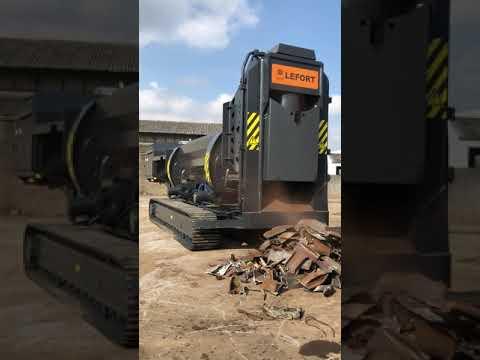 LEFORT TRAX600 /SB660 crawler cutting steel scrap