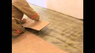 Укладка пробкового покрытия на клей(Укладка пробкового покрытия на клей, видео урок., 2013-01-28T14:50:09.000Z)