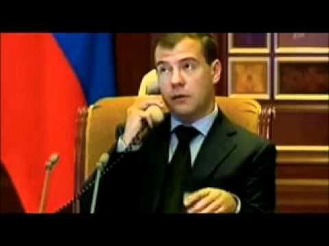 Putin zvonit Medvedevu .240.mp4