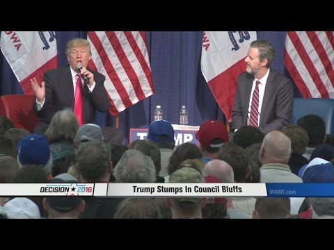 Trump plays to packed house at Council Bluffs school