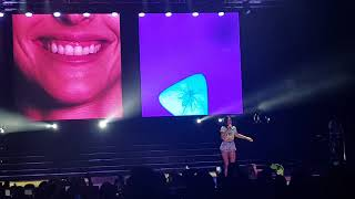 Halsey Live in Manila - Colors Halsey OMG Upclose
