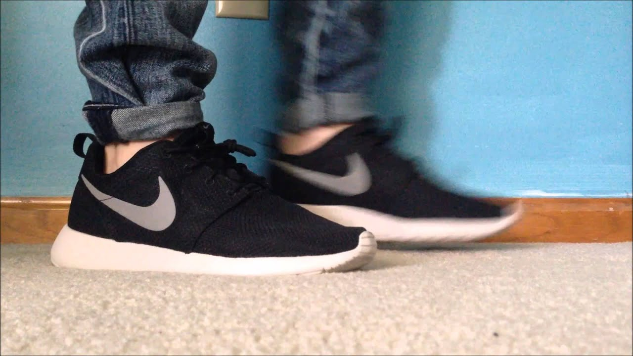8a54f9f9260d7 Nike Roshe run black grey on feet - YouTube
