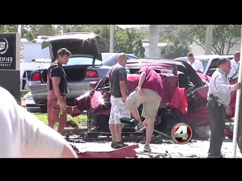 Fatal car accident in Naples on U S  41