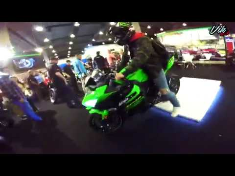 Dejan la llave pegada y me robo la moto 😂 Ninja 400 en la expo