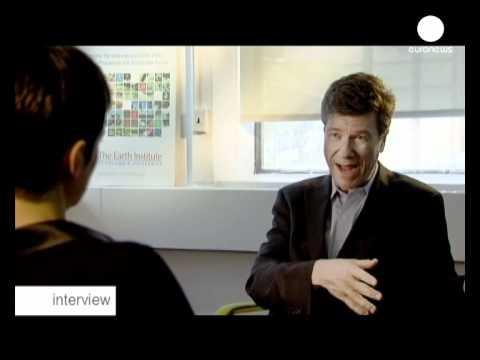 """Jeffrey Sachs: """"los países ricos han hablado mucho y..."""