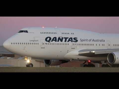 *INTENSE LOUD SPOOL* Qantas 747-438(ER) *DUSK* Takeoff from Melbourne Airport - [VH-OEH]