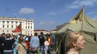 На Дворцовую площадь съехалась техника времен войны