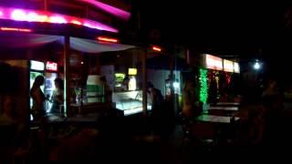 Ночные развлечения в кафе