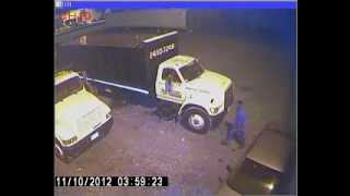 Thief Locks Himself Out of Getaway Vehicle.wmv
