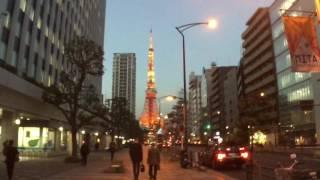 三田国際ビル前