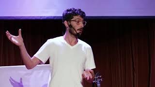 Una historia: El tabaco, la tecnología y la realidad virtual | Emilio Goldenhersch| TEDxVicenteLopez