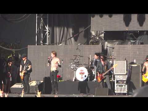 Buckcherry Crazy B!tch Aftershock Festival 2013