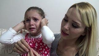 Lina İlk Küpelerini Yeni Küpeleriyle Değiştiriyor Çok Ağladı   Eğlenceli Çocuk Videosu Resimi
