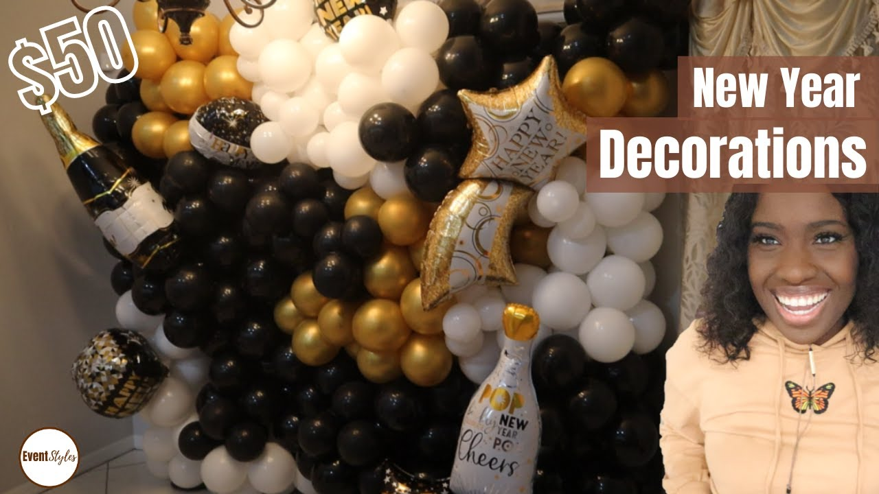 At Home New Year Decoration Ideas: TUFTEX BALLOON: DIY Black and Gold Balloon Wall
