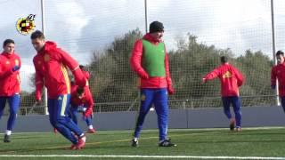 La Selección española Sub-17 entrena con mucho viento en Mahón