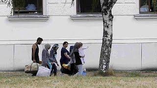 النمسا تتوقف عن استقبال المزيد من المهاجرين في مركز ترايسكيرخين     4-8-2015