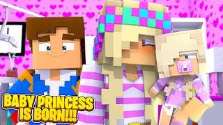 Minecraft LEAH IS A MOM - THE BABY PRINCESS IS BORN