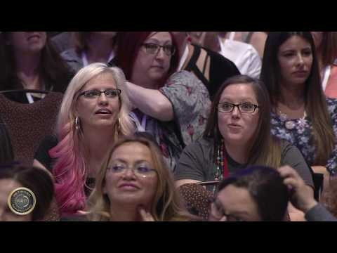 Niurka Presents at The Most Powerful Women in Network Marketing