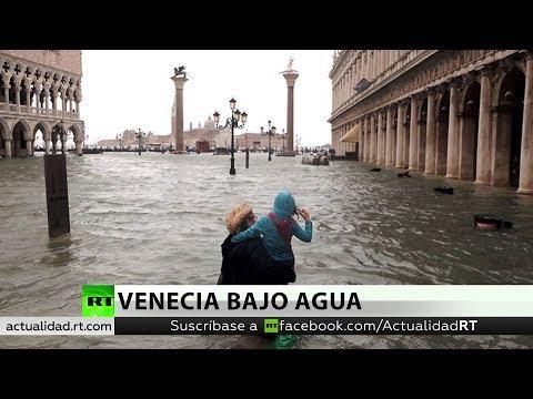 Una excepcional marea alta deja el 75 % de Venecia bajo el agua