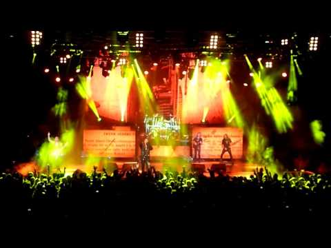 Judas Priest - Breaking the Law - LIVE @ Frankfurt 18-11-15 HD