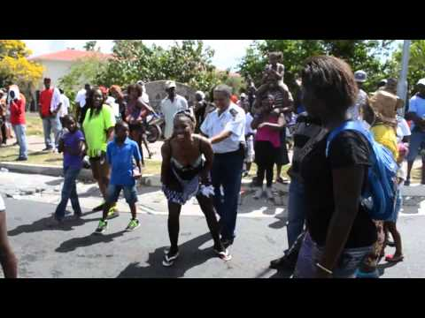 MORE POLICE ABUSE LOL ST MAARTEN CARNIVAL 2014 JOUVERT, NEWS video judith roumou