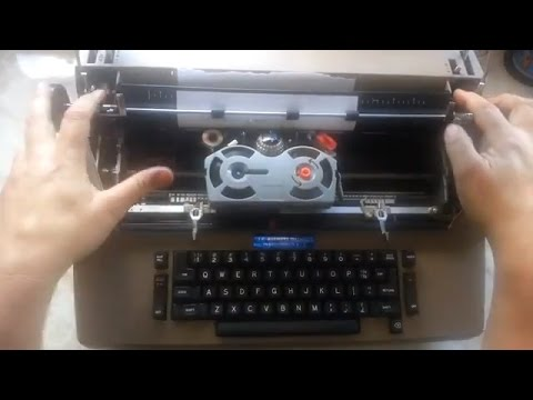 A Fast IBM Selectric 2 II Case removal, Taking covers off quickly