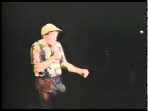 Robin Williams   Elmer Fudd Sings Bruce Springsteen
