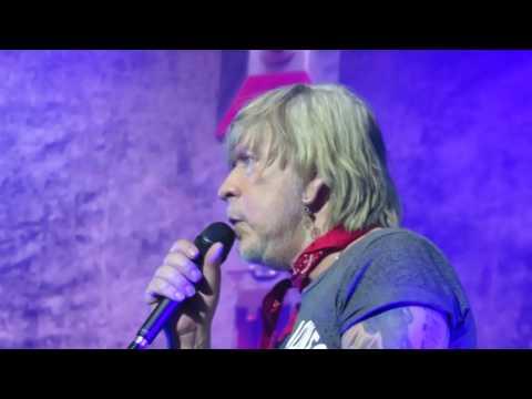 """Renaud """"Manu"""" - Live @ Zénith, Paris - 11/10/2016 [HD]"""