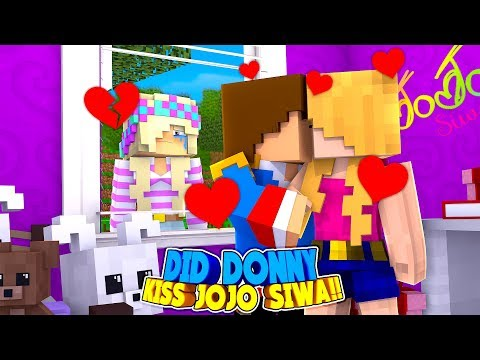 Minecraft LITTLE DONNY IS CHEATING ON HIS GIRLFRIEND LEAH!!