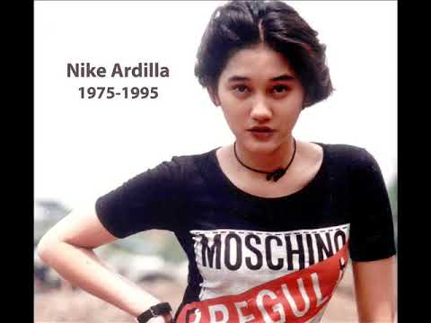 Nike Ardilla Panggung Sandiwara