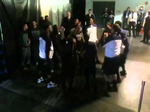 Washington Huskies Basketball Tunnel Dance