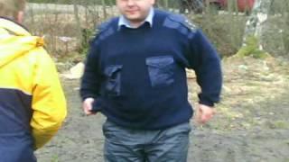 видео: Браконьеры в погонах. Карелия, р. Миккилица,01.05.10.
