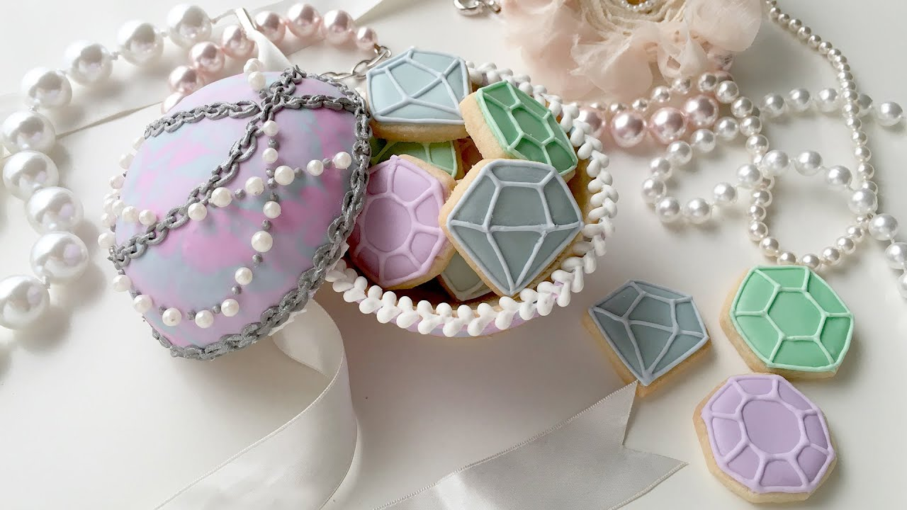 Art I Cake Jewelry Ideas : How To Make A Jewelry Cookie Box For Mother s Day with ...