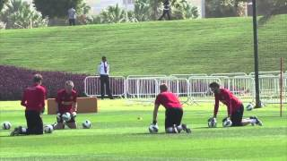 Manchester United train in Qatar heat