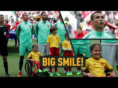 'Unbelievable emotions': 10yo girl in wheelchair kissed & hugged by Ronaldo