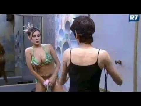 Andressa Urach tomando banho | A Fazenda from YouTube · Duration:  44 seconds